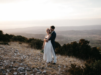 Intimate moment for a bride and groom during their wedding in Luberon near Lourmarin