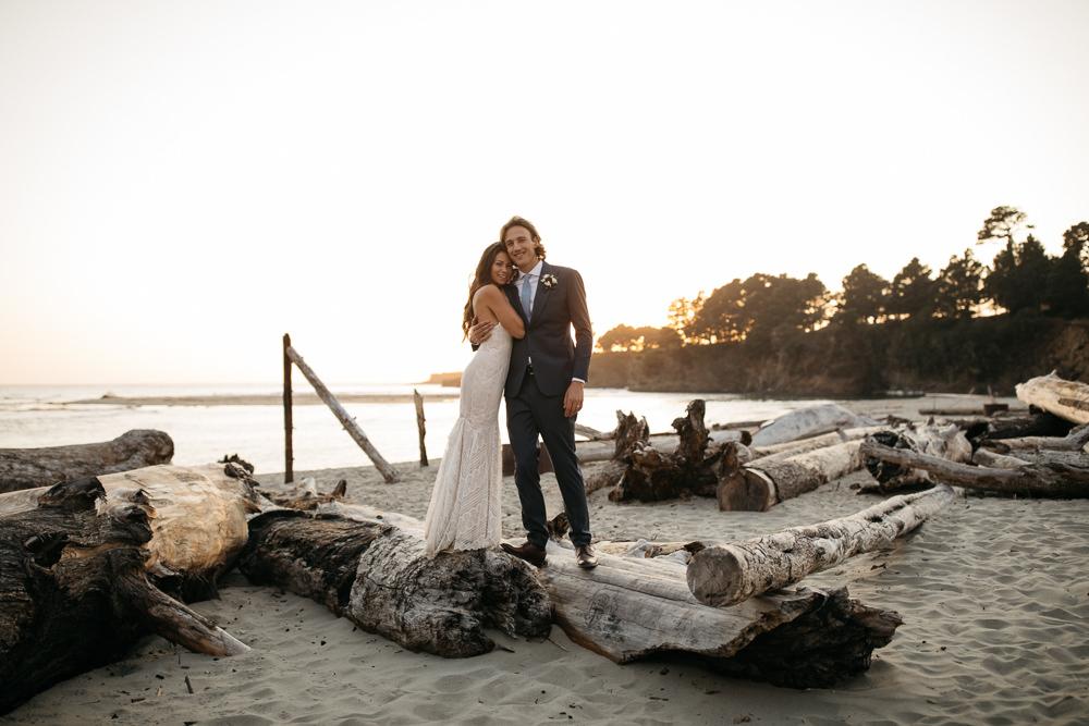 happy nexly wed couple in California near San Francisco